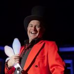 circus skills performer