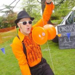 Mr Doo juggling a diabolo
