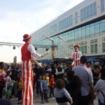 stilt-walking-jugglers