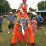 juggler & stilt walker